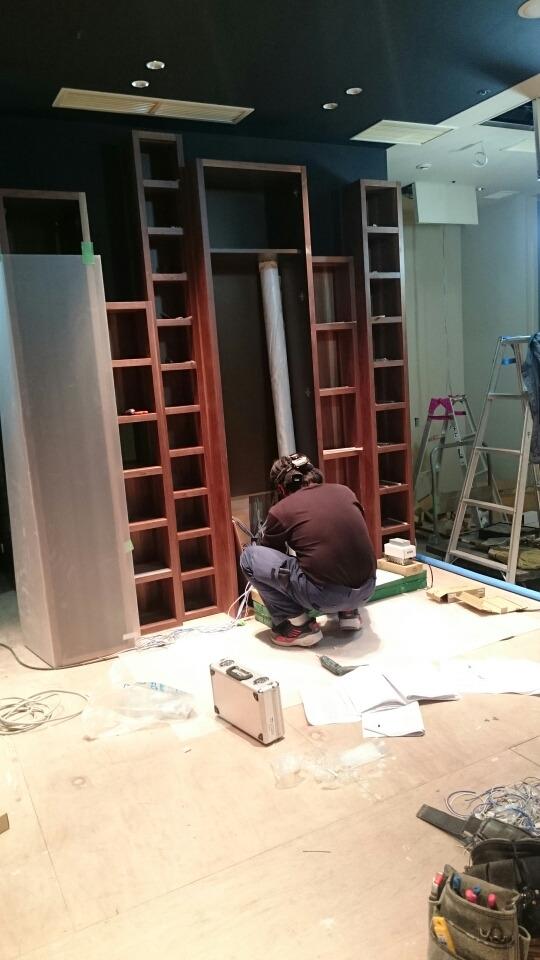 堂島店の工事風景〈イズント〉