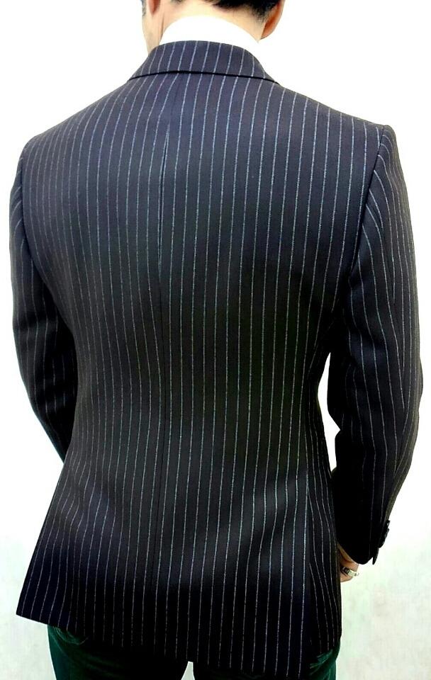 匠のスーツ〈イズント〉