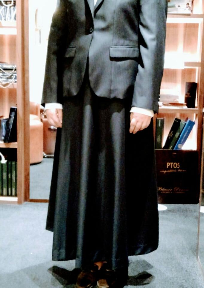 レディースドレープスカートとジャケット〈イズント〉