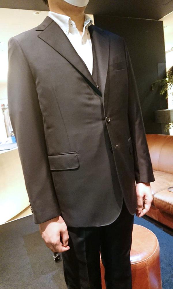お客様のスーツ〈イズント〉
